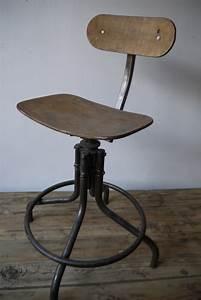 Chaise Haute Metal : chaise haute atelier industrielle bienaise metal et bois ~ Teatrodelosmanantiales.com Idées de Décoration