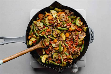 Most grocers or butchers will grind fresh ground beef for you if you ask, but there are also plenty of leaner ground beef has less shrinkage, meaning the volume of meat will reduce less as the recipe cooks. Low-Fat Skillet Ground Beef and Vegetables Recipe