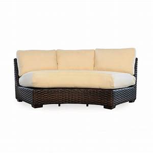 Lloyd flanders 38056068 contempo outdoor curved sectional for Sectional sofas for outdoor