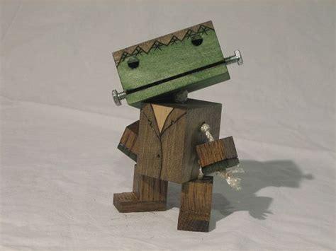 wooden frankenstein robot creepy stuff   love traesloejd trae snickerier