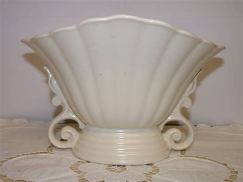 pedestal vase wade white creamware england vintage