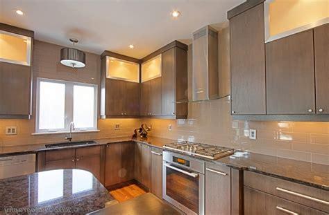 image deco cuisine cuisine faience cuisine avec gris couleur faience