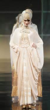 muslim wedding gown trends 2011 irna muslim wedding dress la perle