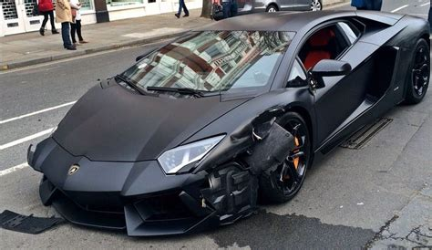 crashed white lamborghini matte black lamborghini aventador crashes in london gtspirit