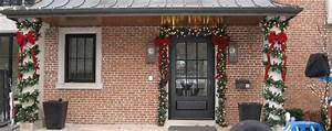 Lawnsavers, Premium, Outdoor, Christmas, Garland, Spiral, Wrapped, Around, Pillars, And, Your, Front, Door