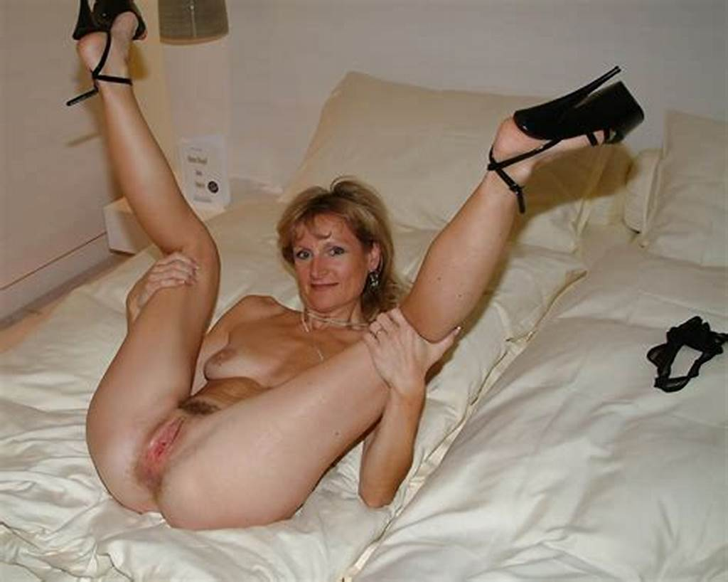 #Cute #Mom #Spreading #Her #Legs #Wide