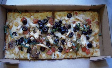 Chain Reaction: Round Table Pizza's New Artisan Flatbreads ...
