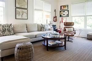 Le tapis jonc de mer pour le salon classique en 60 belles for Tapis jonc de mer avec canapé d angle marron cuir