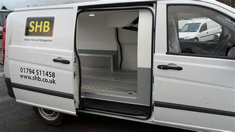 Load length 2586mm & 950kg payload. Medium Fridge Van : Mercedes 113 CDI Vito LWB Chiller Van