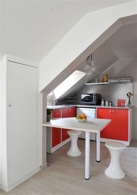 cuisine sous pente création d 39 un studio sous combles contemporain cuisine