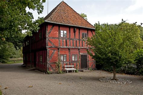 Fileold Country House 2jpg  Wikimedia Commons
