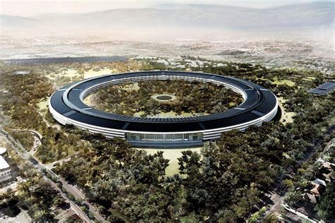 Apples Headquarters New Pictures by Check Out This Apple Cus 2 Flyover Recode