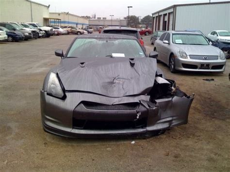 nissan gt  crashed  texas news top speed
