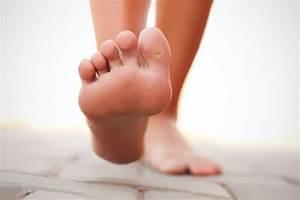 Как вывести бородавки на ногах между пальцами ног