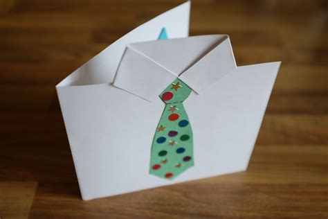 Easy Toddler Fathers Day Card Craft (with Free Printable