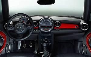 Mini Cooper Interieur : 2014 mini cooper 4 door interior autos post ~ Medecine-chirurgie-esthetiques.com Avis de Voitures
