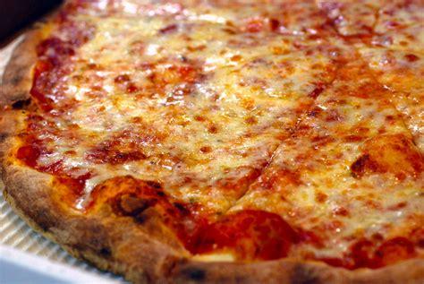 york pizzeria sues rival  invoking talmudic law