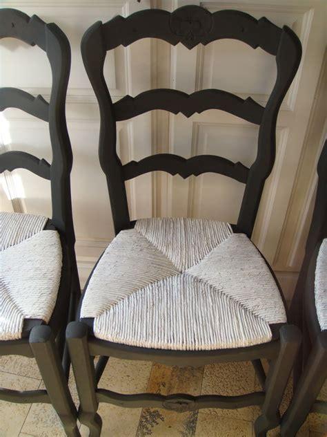 comment rehausser une chaise comment peindre une chaise en paille