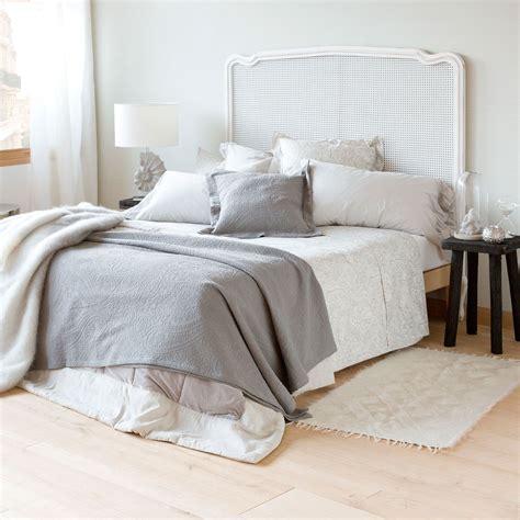 tagesdecke zara home tagesdecke und kissenbezug aus baumwolljacquard mit paisleymuster tagesdecken schlafen