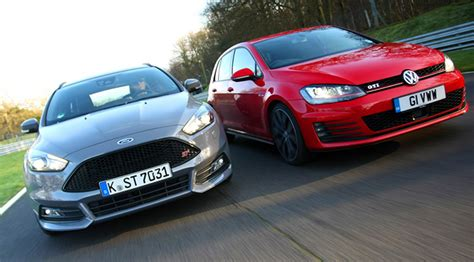 siege golf 1 gti battle of the hatches vw golf gti v ford focus st