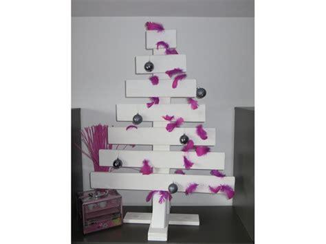 weihnachtsbaum aus brettern flach miedziński