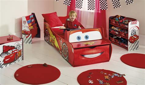 decoration cars pour chambre decoration chambre bebe cars