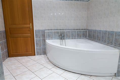 amenagement cuisine surface la salle de bain maison atypique à rettel