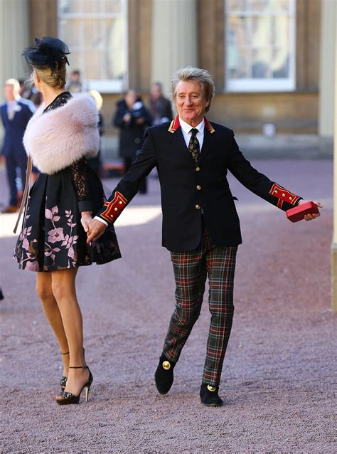 prince william knights rod stewart  buckingham palace