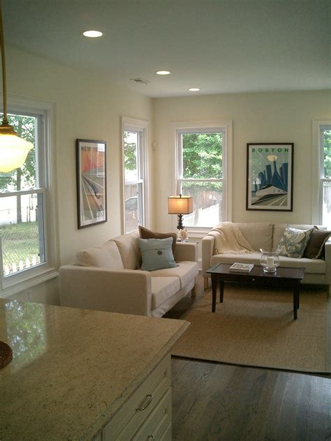 benjamin moore ivory white  paint color  white