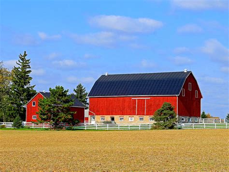 beautiful rustic  classic red barn inspirations