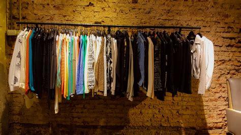 imagen de ropa en tienda foto gratis