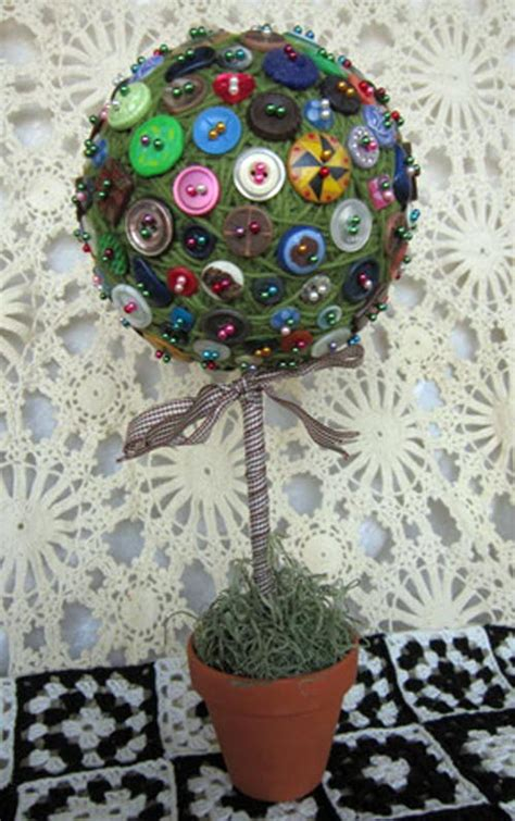 buttons craft ideas button diy topiary favecrafts 1198