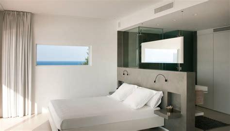 compacte slaapkamer inrichten slaapkamer met badkamer en dressing fotospecial