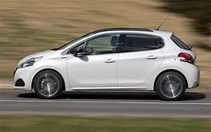Rappel Constructeur Peugeot 208 : essai peugeot 208 1 6 bluehdi 75 5 p 2016 l 39 automobile magazine ~ Maxctalentgroup.com Avis de Voitures
