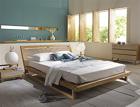 peinture mur chambre adulte peinture chambre mansardée murs bleus bois gris et