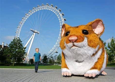 London News Roundup: Huge Hamster Appears Across London ...