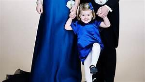 Klettverschluss Hält Nicht : familien foto estelle von schweden h lt nicht still ~ Eleganceandgraceweddings.com Haus und Dekorationen