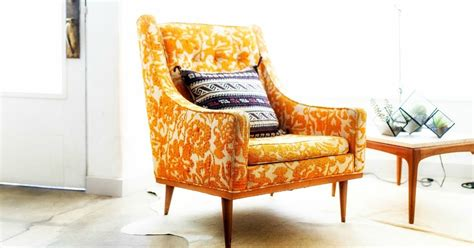 comfortable chairs for small spaces 10 comfortable chairs for small spaces to cozy up your