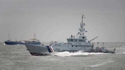 Small Boat In English by Three Iranians Rescued From Small Boat In English Channel Bt