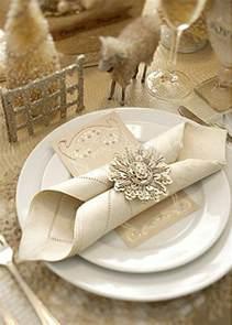 pliage de serviette en papier pour mariage comment réaliser un pliage de serviette idées originales