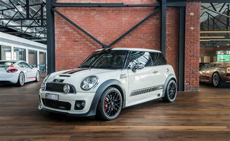 mini cooper jcw richmonds classic  prestige
