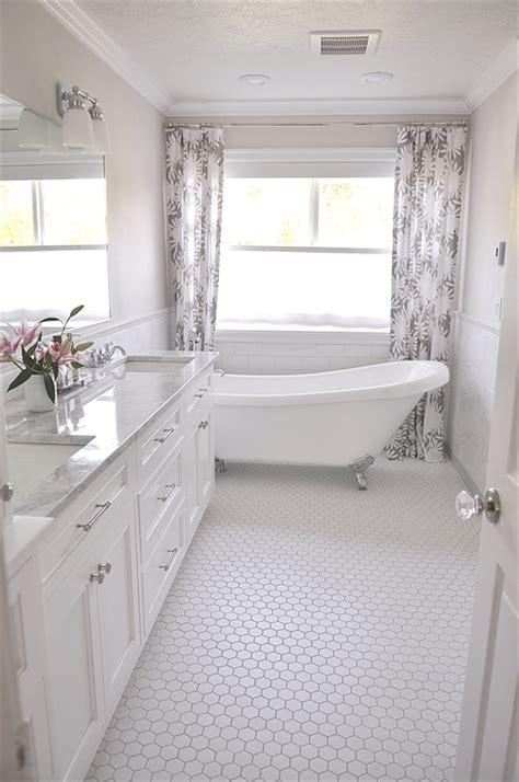 discover  secret   clean bathroom