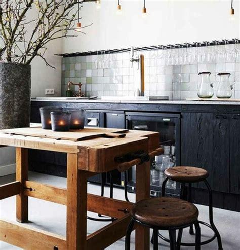 table cuisine style industriel cuisine industrielle l 39 élégance brute en 82 photos