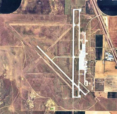 garden city airport garden city regional airport