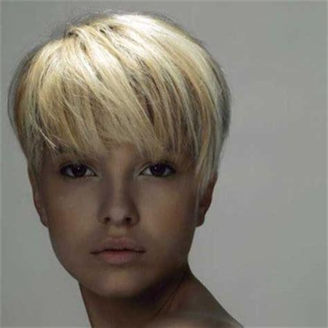 coupe de cheveux boule coupe de cheveux femme court boule