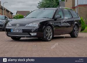 Ford Mondeo Titanium : ford mondeo stock photos ford mondeo stock images alamy ~ Medecine-chirurgie-esthetiques.com Avis de Voitures