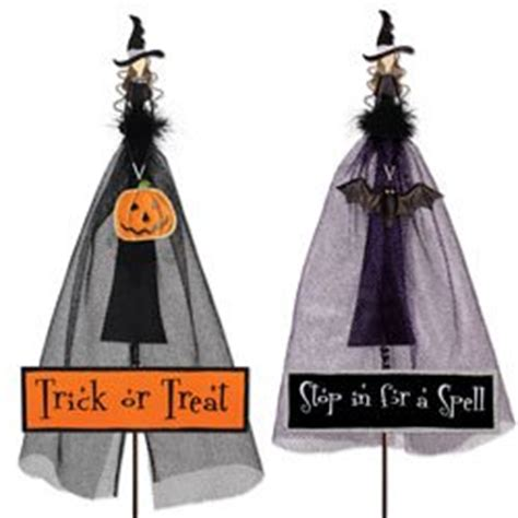 Halloween Witch Yard Stakes by Amazon Com Halloween Witch Stakes Signs Set Of 2