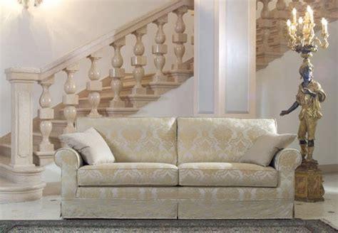 divanetti classici divani e poltrone classiche antichi contemporanei