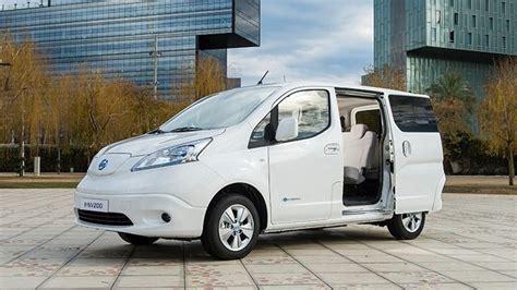 design nissan  nv combi electric vehicle people
