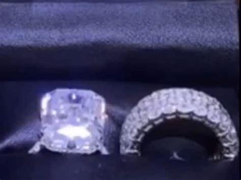 nicki minaj reveals insane  mil wedding ring